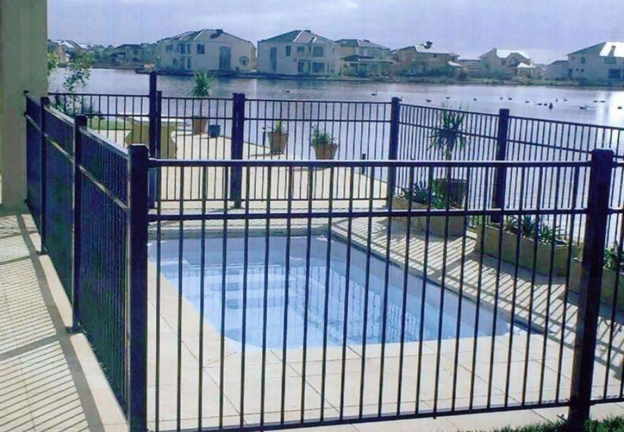 Medidas de seguridad para las piscinas privadas - Deymant Pools